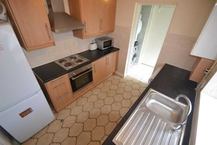 4 bedroom house in Treorchy Street,