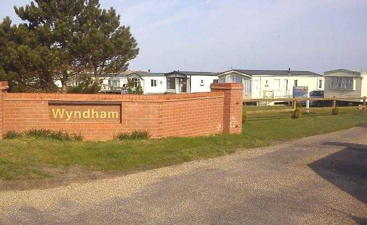 Family friendly static caravan near to Cromer on o
