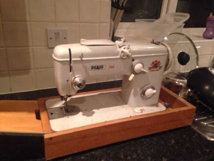 Pfaff 260 Automatic Sewing Machine