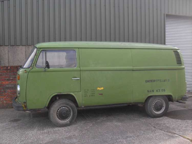 Volkswagen T2 bay panel van 1978