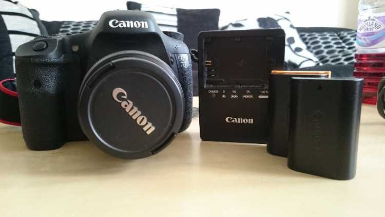 Used Canon 7d with Canon 18-55mm lens