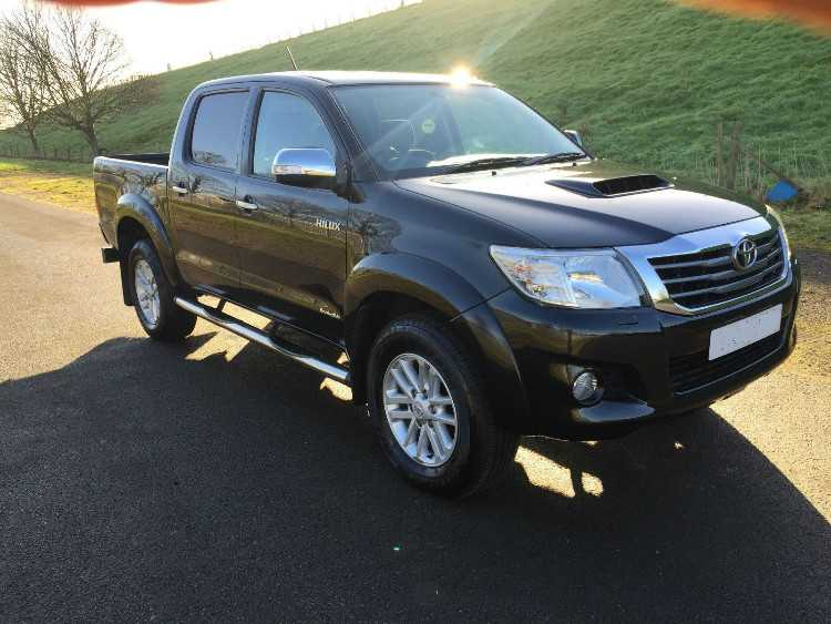 TOYOTA HILUX 4X4 Pick-up Black 2012
