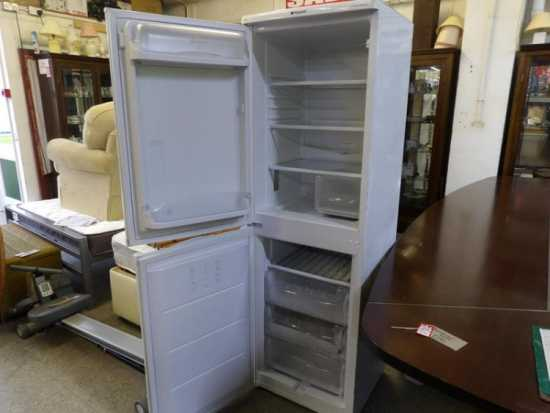 hotpoint-iced-diamond-fridge-freezer-in-our-20-off-sale-1.jpg