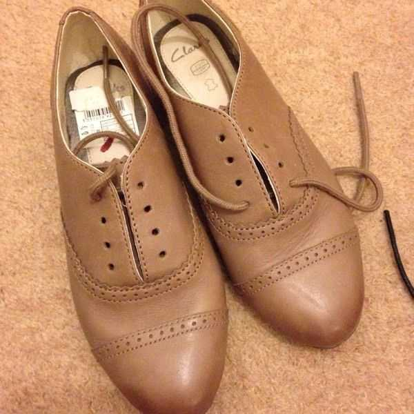 Brand new girls Clarks shoes size 13 never used