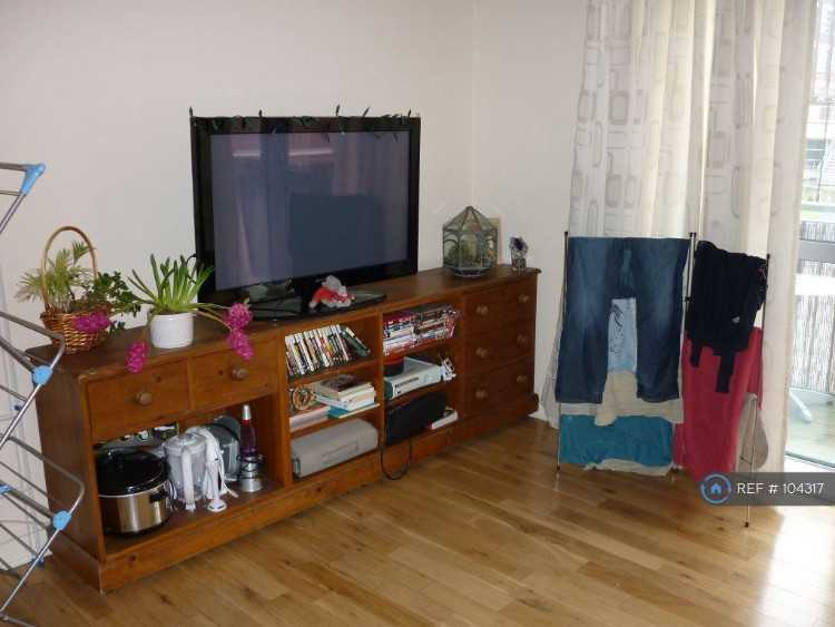 2 bedroom flat in Hall St, West Midlands, B18 (2 b