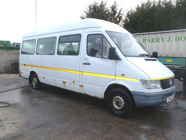 MERCEDES SPRINTER 13 SEAT BUS 312D LWB