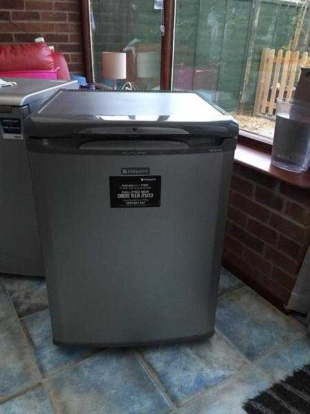 Hotpoint Graphite Grey Frost Free Under Counter Fr