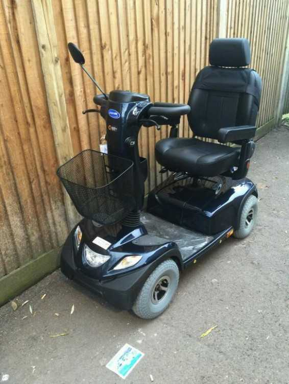 Mobility scooter. Invacare comet. As new.