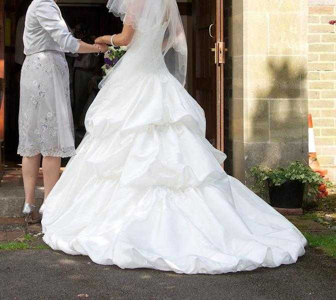 wedding-dress-4.jpg