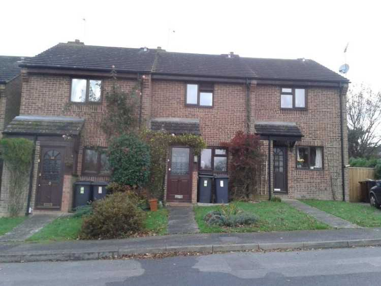 Two bedroom house for rent Danehill