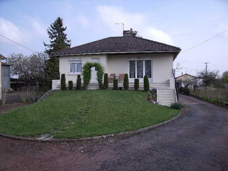 Detached 3 Bed Property in Chaunay, Vienne, France