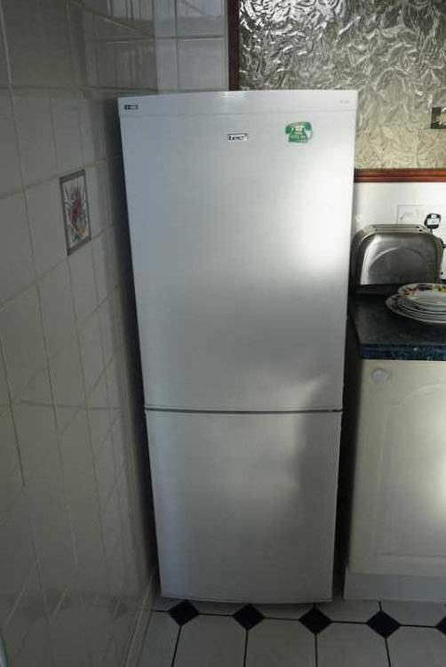 LEC Fridge/Freezer