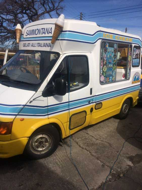 Mr Whippy Ice Cream Van Transit Super Uno W reg