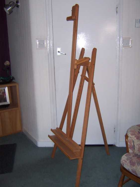 Mabef artists lyre easel in stain resistant beech