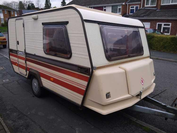 Esterel Pop Top Roof Lightweight Caravan Caravans