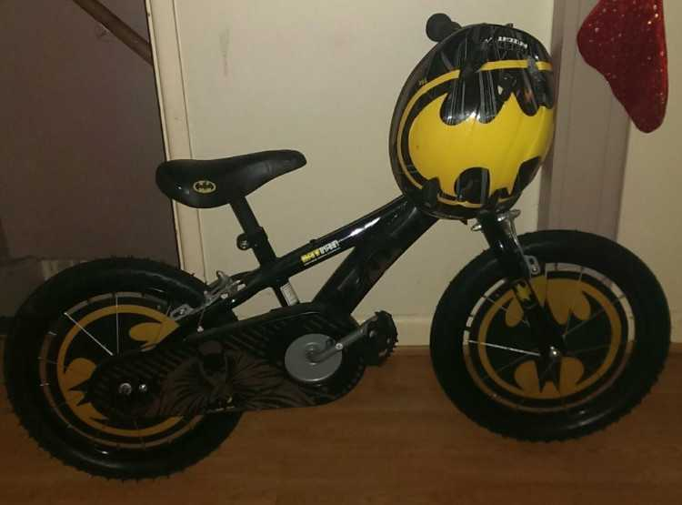 kids batman bike 16""